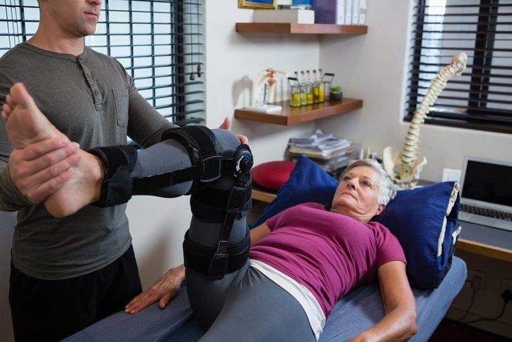 KNEE REPLACEMENT RECOVERY ARTICLES